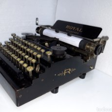 Antigüedades: ANTIGUA MAQUINA DE ESCRIBIR TYPEWRITER ROYAL 1. Lote 221096891