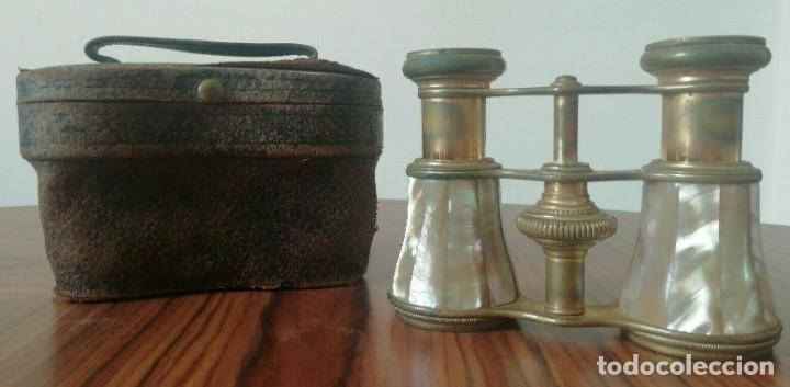 BINOCULARES ANTIGUOS. LATÓN Y NÁCAR / MADRE PERLA.FUNDA ORIGINAL . FINALES S.XIX (Antigüedades - Técnicas - Instrumentos Ópticos - Binoculares Antiguos)