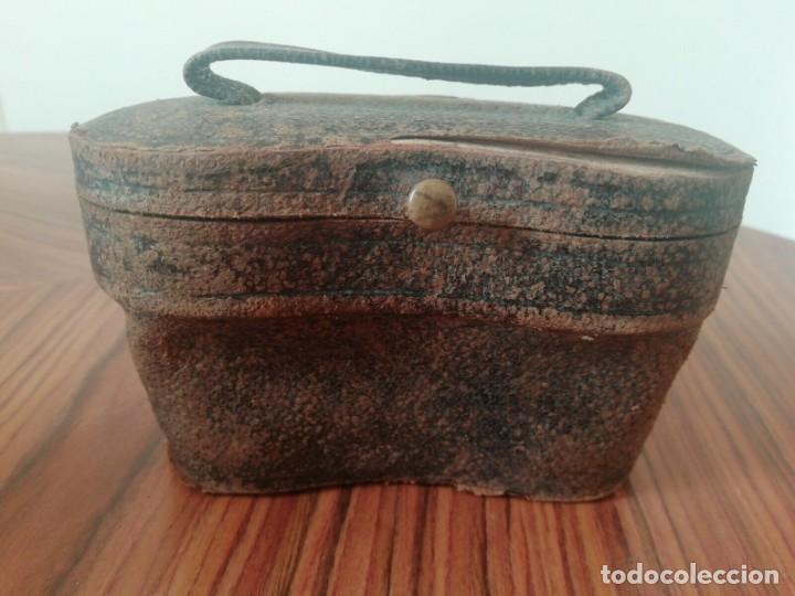 Antigüedades: Binoculares Antiguos. Latón y Nácar / Madre Perla.Funda Original . Finales S.XIX - Foto 6 - 221110330