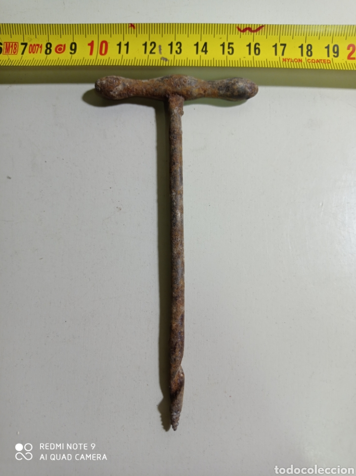 ANTIGUA BROCA MANUAL DE HIERRO, PERFORADORA. (Antigüedades - Técnicas - Herramientas Profesionales - Carpintería )