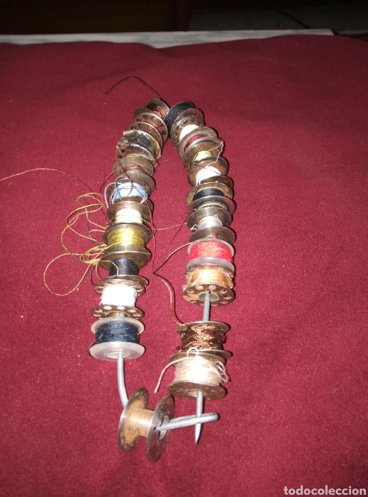 Antigüedades: 22 canillas de diferentes máquinas de coser, casi todas de hierro. - Foto 2 - 221269938