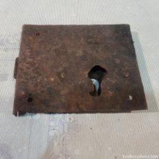 Antigüedades: ANTIGUA CERRADURA SIN LLAVE. Lote 221276771