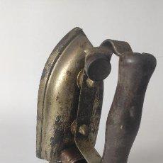 Antigüedades: ANTIGUA PLANCHA ELÉCTRICA. FALTA CABLE. 125,150,220V. 15,5 CM. 1,142 KG. SIGLO XX.. Lote 221278770