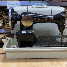 Antigüedades: MAQUINA DE COSER ALFA FUNCIONADO CON MOTOR. Lote 221369936