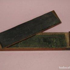Antigüedades: ANTIGUAS CAJA VACÍA DE NAVAJAS DE AFEITAR CON DOBLE CARA PARA AFILADO Y ASENTADO. Lote 221476052