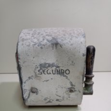 Antigüedades: ESPECTACULAR INTERRUPTOR INDUSTRIAL DE PALANCA, MUY ANTIGUO, CAJÓN DE ZINC. COBRE, BRONCE, HIERRO. Lote 221507722