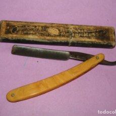 Antigüedades: ANTIGUA NAVAJA DE AFEITAR BARBERO MARCADA MANN & FEDERLEN 14 SOLINGEN. Lote 221574461