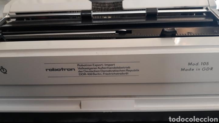 Antigüedades: Máquina de escribir Erika Robotron con maleta modelo 105 - Foto 5 - 221665082