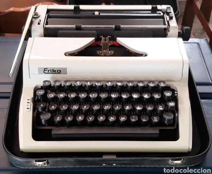 MÁQUINA DE ESCRIBIR ERIKA ROBOTRON CON MALETA MODELO 105 (Antigüedades - Técnicas - Máquinas de Escribir Antiguas - Erika)