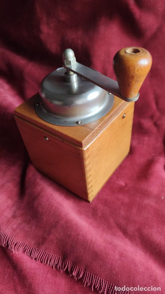 Antigüedades: Molinillo antiguo Holandés de cafe, excelente y funcionando - Foto 3 - 221683567