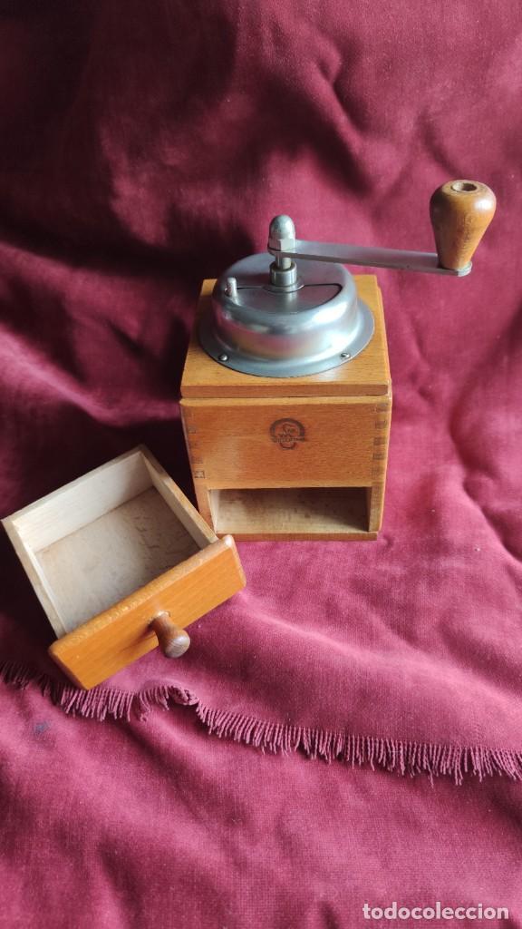 Antigüedades: Molinillo antiguo Holandés de cafe, excelente y funcionando - Foto 2 - 221683567