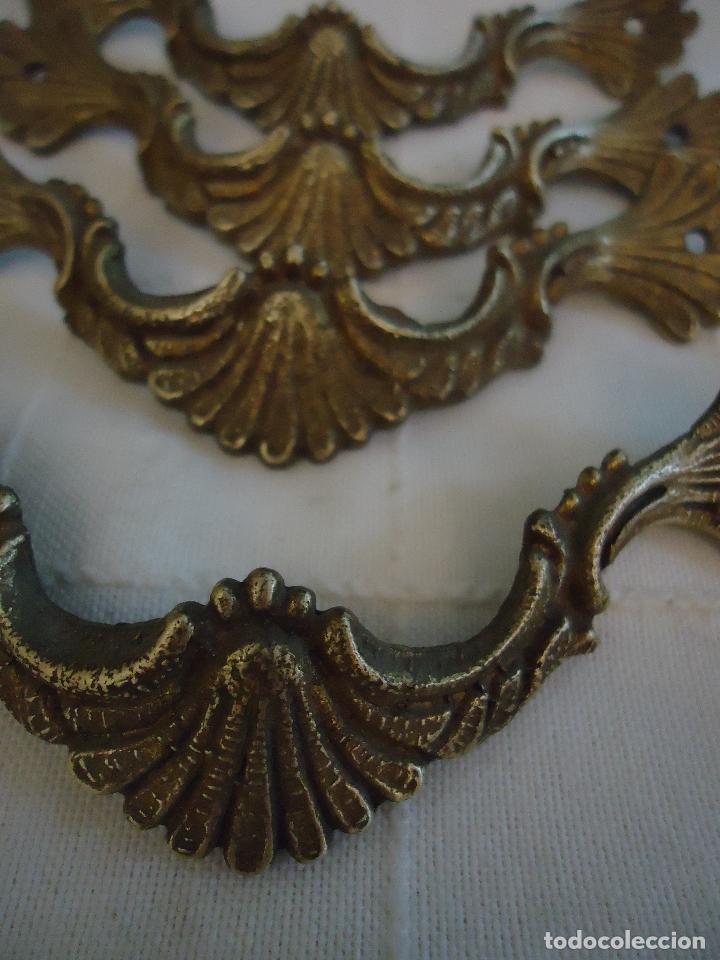 Antigüedades: 4 tiradores antiguos estilo francés de bronce. largo 10,5 cms. - Foto 3 - 221698296