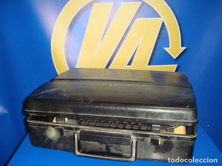 Antigüedades: Maquina de escribir vintaje electrica SILVER-REED electric 8610 - Foto 2 - 221737842