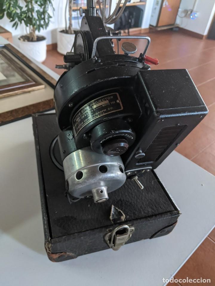 Antigüedades: 1929 PROYECTOR VICTOR MODELO 3 DE 16 MM RARISIMO Y EN PERFECTO ESTADO FABRICADO EN IOWA USA - Foto 4 - 221811035