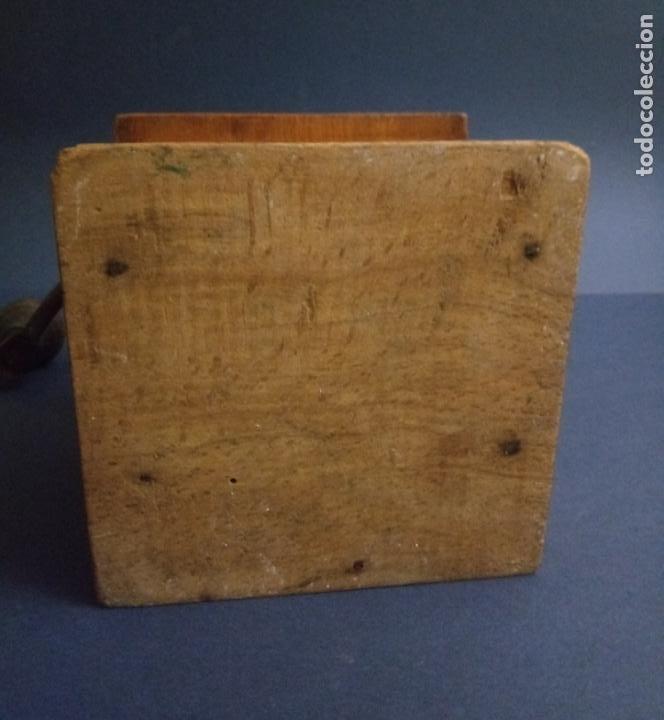 Antigüedades: ANTIGUO MOLINILLO DE CAFÉ - MARCA ELMA - MADERA Y METAL - 12 x 10 CMS - Foto 14 - 221867908