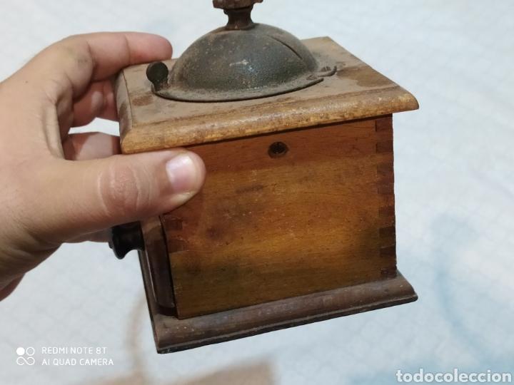 Antigüedades: Antiguo molinillo de madera ELMA siglo XIX - Foto 6 - 221937031