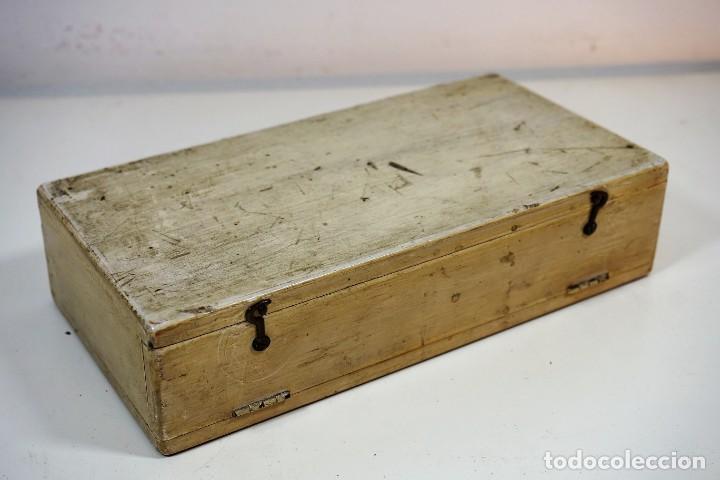 Antigüedades: ANTIGUA CAJA PARA PREPARACIONES MICROSCOPICAS c.1900 - Foto 4 - 221940100