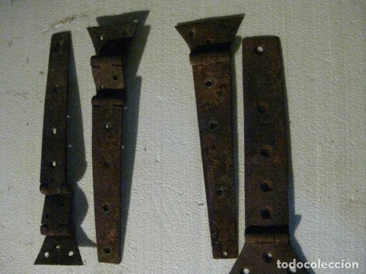 Antigüedades: ANTUGUAS BISABRAS DE HIERRO DOS SENSILLAS Y DOS DE DOBLES - Foto 2 - 222011715