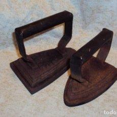 Antigüedades: PLANCHAS DE HIERRO FUNDIDO(2 PIEZAS). Lote 222012712