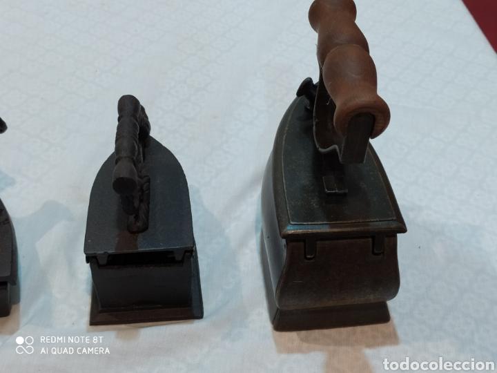 Antigüedades: Precioso lote de 3 planchas de carbón - Foto 10 - 222026406