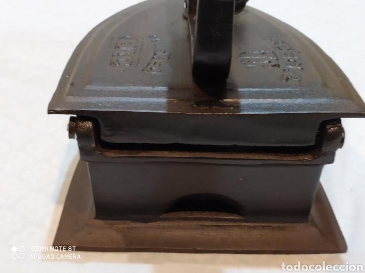 Antigüedades: Interesante plancha de carbón - Foto 7 - 222042543