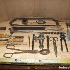 Antigüedades: LOTE DE 19 HERRAMIENTAS VARIAS. Lote 222060272
