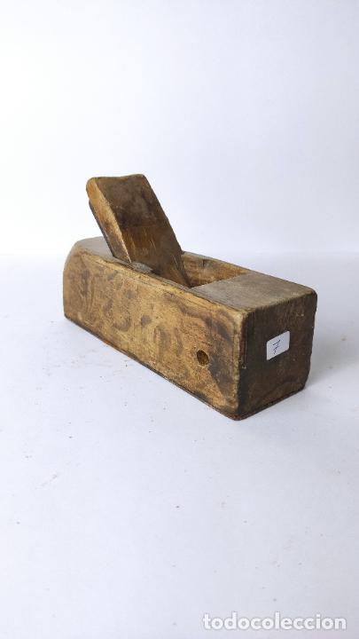 ANTIGUO GARLOPIN DE MADERA CON CUCHILLA. 18 CM. 0,694 KG. (Antigüedades - Técnicas - Herramientas Profesionales - Carpintería )