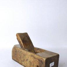Antigüedades: ANTIGUO GARLOPIN DE MADERA CON CUCHILLA. 18 CM. 0,694 KG.. Lote 222111106