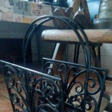Antigüedades: REVISTERO DE HIERRO FORJADO. Lote 222112361