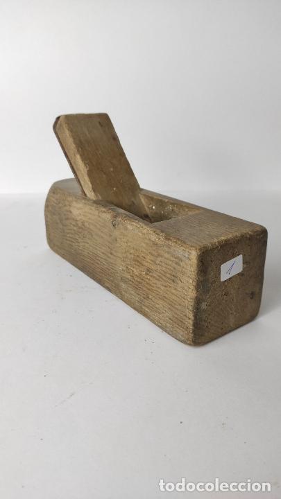 ANTIGUO GARLOPIN DE MADERA CON CUCHILLA. 18 CM. 0,630 KG. (Antigüedades - Técnicas - Herramientas Profesionales - Carpintería )