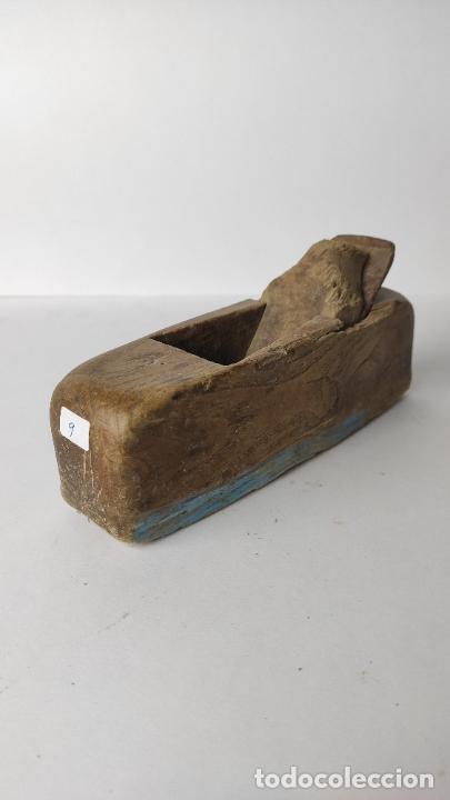 Antigüedades: ANTIGUO GARLOPIN DE MADERA CON CUCHILLA. 18 CM. 0,384 KG. - Foto 2 - 222150816
