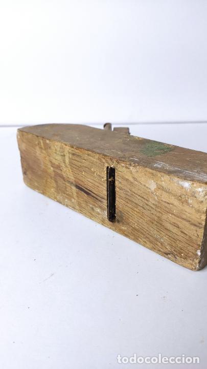 Antigüedades: ANTIGUO GARLOPIN DE MADERA CON CUCHILLA. 19 CM. 0,618 KG. - Foto 4 - 222151753