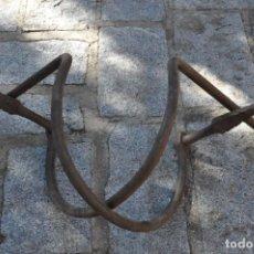 Antigüedades: REMATES REJA DE FORJA S. XVII Ó XVIII. Lote 222166746