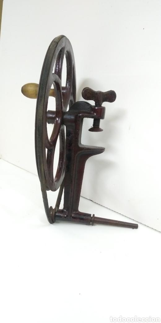 MUY ANTIGUA RUEDA DE TRACCION MANUAL (Antigüedades - Técnicas - Herramientas Profesionales - Mecánica)