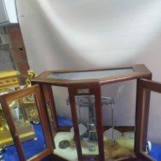 Antigüedades: IMPRESIONANTE BALANZA VITRINA DE FARMACIA PARÍS SIGLO XIX. Lote 222177161