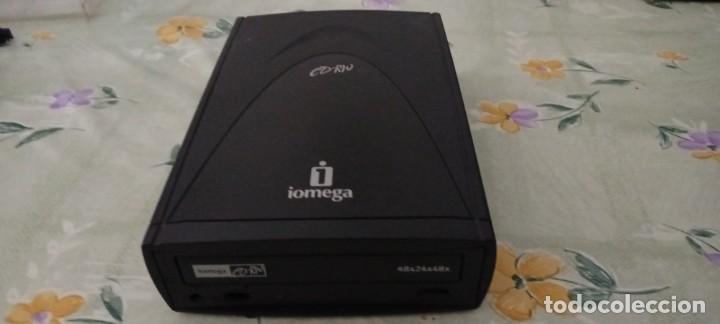 REPRODUCTOR GRABADORA CD RW IOMEGA SALIDA AURICULARES Y USB (Antigüedades - Técnicas - Ordenadores hasta 16 bits (anteriores a 1982))