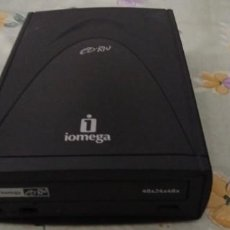 Antigüedades: REPRODUCTOR GRABADORA CD RW IOMEGA SALIDA AURICULARES Y USB. Lote 222193376