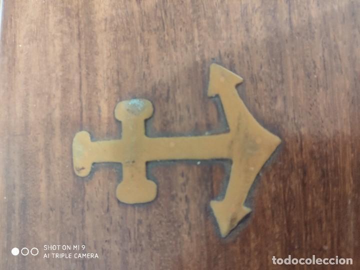 Antigüedades: PRECIOSO CATALEJO EN METAL Y CUERO ANTIGUO, EN SU CAJA DE MADERA, DE CUATRO CUERPOS. - Foto 21 - 222257510
