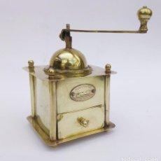 Antigüedades: ANTIGUO MOLINILLO DE CAFÉ MANUAL DE LATÓN MARCA EXPRESS. Lote 222265978