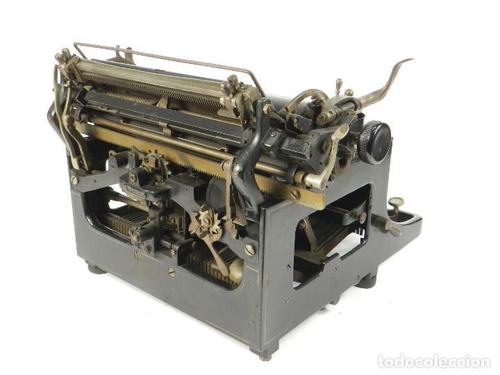 Antigüedades: MAQUINA DE ESCRIBIR TRIUMPH Nº1 1909 TYPEWRITER SCHREIBMASCHINE A ECRIRE - Foto 11 - 222335077