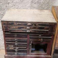 Antigüedades: CHIBALETE - CAJONERA - MUEBLE DE IMPRENTA CON CAJONES. Lote 222356535