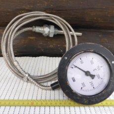 Antigüedades: TERMOMETRO INDUSTRIAL INDICADOR, ESCALA DE 0 - 300ºC CON VAINA SENSOR DE 2,5M DE LA FIRMA WEC.. Lote 222367063