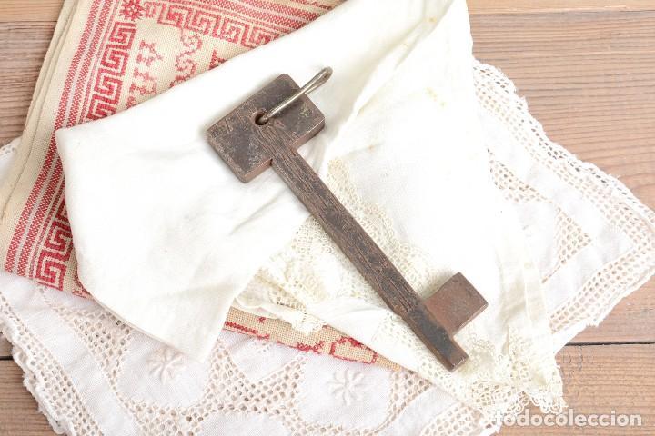 Antigüedades: Gran Llave vintage de hierro - Foto 2 - 222383970