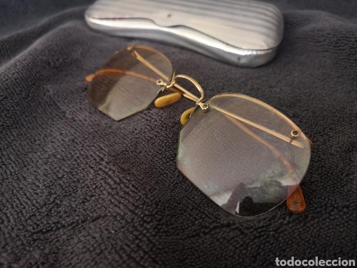 Antigüedades: Antiguas gafas de vista con estuche metálico de aluminio - Foto 2 - 222387461