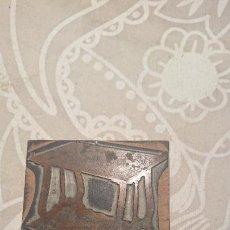 Antigüedades: ANTIGUA PLACA DE COBRE CON GRABADO PARA GRABAR - INPRIMIR EN PAPEL MATRIZ IMPRENTA AÑOS 20-30. Lote 222397986
