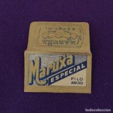 Antigüedades: FUNDA Y HOJA DE HOJA DE CUCHILLA DE AFEITAR ANTIGUA. MARUXA ESPECIAL FILO ANCHO.. Lote 237324885