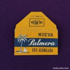 Antigüedades: FUNDA Y HOJA DE HOJA DE CUCHILLA DE AFEITAR ANTIGUA. NUEVA PALMERA ORO ACANALADA.. Lote 222457308