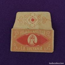 Antigüedades: FUNDA DE HOJA DE CUCHILLA DE AFEITAR ANTIGUA. LA SULTANA.. Lote 222457610