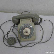 Teléfonos: ANTIGUO AÑOS 60 RETRO VINTAGE, RARO Y BONITO TELEFONO TOTALMENTE COMPLETO Y EN BUEN ESTADO. Lote 222485805