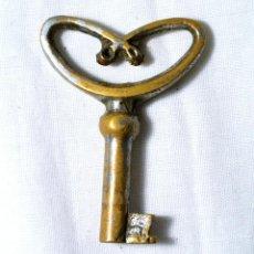 Antigüedades: LLAVE ANTIGUA DE METAL. Lote 222485843
